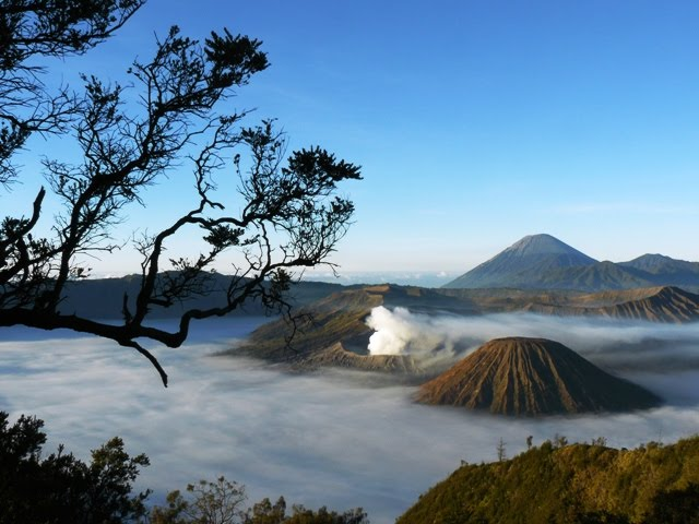 Gunung-Api-Terindah-di-Indonesia-Bromo-1